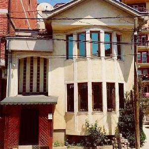 SHITEN 2 shtepi ne lagjen…