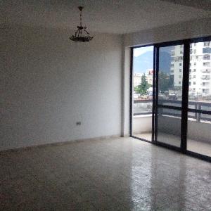 Me QERA apartament 2+1…