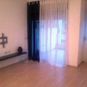 Me qera apartament 3+1…